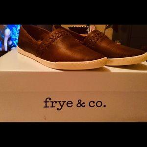 💲⬇️NIB FRYE CODY SLIP ON IN COGNAC 7.5